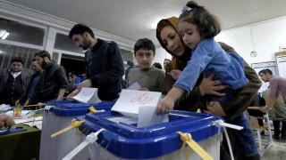 Μαζική προσέλευση των ψηφοφόρων στις ιρανικές εκλογές