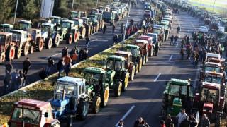 Μπλόκα αγροτών: Αποχωρούν από τα Τέμπη- Η εικόνα στα τελωνεία