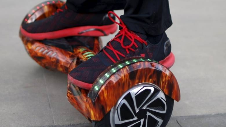 Hoverboard - καμικάζι τυλίγει στις φλόγες σπίτι στο Ιλινόις - Δραματική έκκληση του ιδιοκτήτη