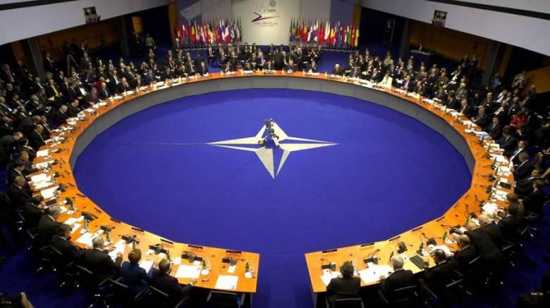 Γερμανικό «σόου» στο Αιγαίο με το ΝΑΤΟ αντί να κόβουν τις ροές
