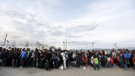 """Σχέδιο έκτακτης ανάγκης για προσφυγικό από Ελλάδα σε ΕΕ - """"Ασφυξία"""" σε όλη τη χώρα"""