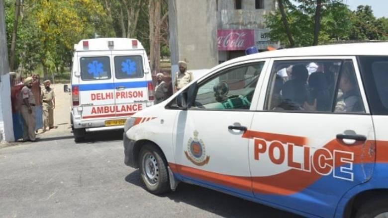 Δολοφονικό αμόκ - Μαχαίρωσε μέχρι θανάτου 14 μέλη της οικογένειάς του