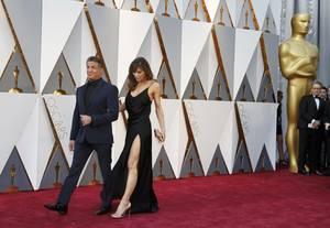 Σιλβέστερ Σταλόνε και η σύζυγος του Τζένιφερ Φλάβιν με ΥSL Couture