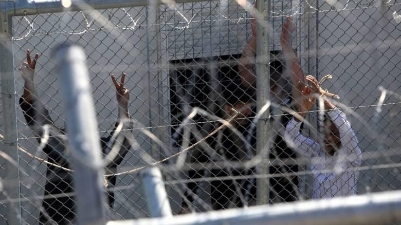 Κράτηση και διοικητική απέλαση στους παράτυπους μετανάστες