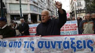 Στα 3.088 ευρώ μικτά το ανώτατο όριο πολλαπλών συντάξεων είπε ο Πετρόπουλος στη Βουλή