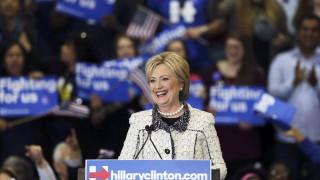 """Σε εξέλιξη η ψηφοφορία της """"Σούπερ Τρίτης"""" - Χρίζουν φαβορί σε Δημοκρατικούς και Ρεπουμπλικανούς"""
