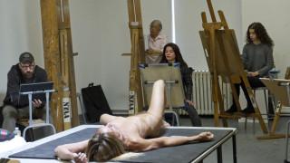 Ο Ίγκι Ποπ είναι γυμνός για την τέχνη