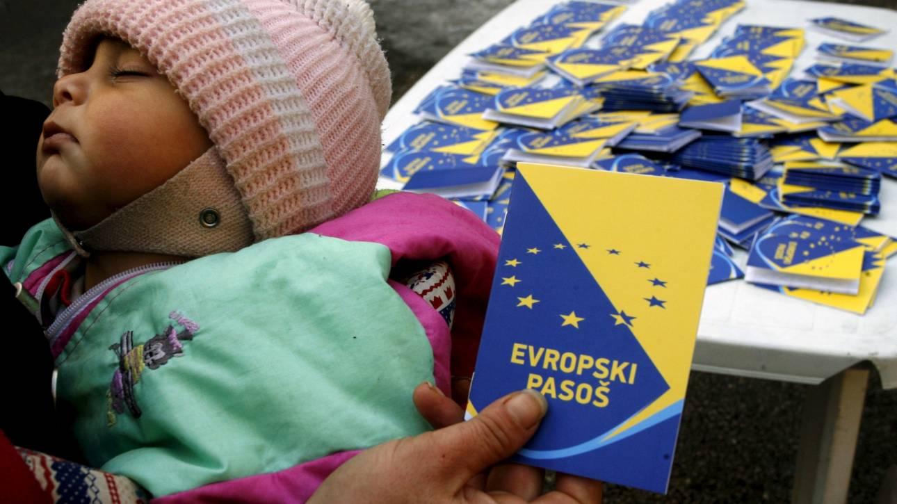 Έβδομο ισχυρότερο στον κόσμο με 171 προορισμούς το ελληνικό διαβατήριο
