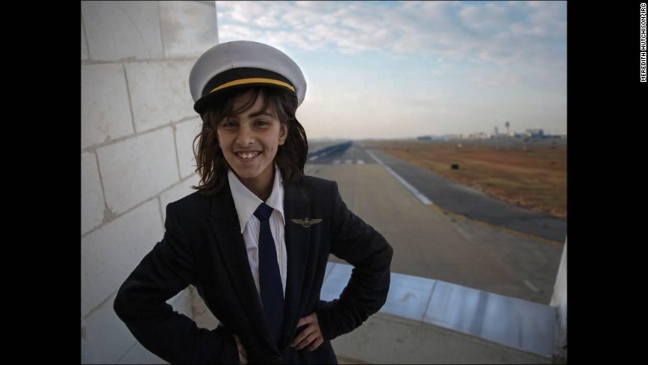 https://cdn.cnngreece.gr/media/news/2016/03/03/23896/photos/snapshot/160203144808-04-syria-war-refugee-girls-dreams-7.jpg