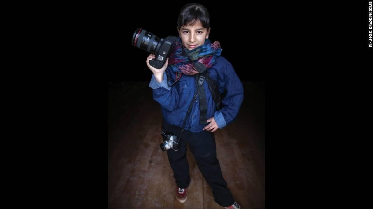 https://cdn.cnngreece.gr/media/news/2016/03/03/23896/photos/snapshot/160203144822-05-syria-war-refugee-girls-dreams-2.jpg