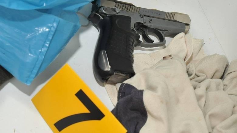 Κύκλωμα γιατρών και πρώην αστυνομικού με πλαστά χαρτιά για οπλοφορία