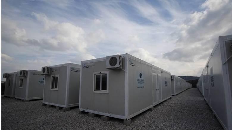 Προσφυγικό: Έκτακτη χρηματοδότηση για προσλήψεις στα hot spot από Κομισιόν