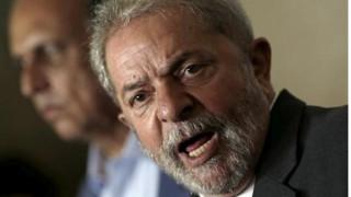 «Δε φοβάμαι τίποτα», λέει ο πρώην πρόεδρος της Βραζιλίας Λούλα ντα Σίλβα, μετά την κράτησή του