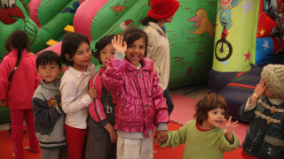 Προβολή ταινιών για παιδιά των προσφύγων στη Λευκόβρυση Κοζάνης