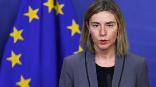 Αβραμόπουλος και Μογκερίνι χαιρετίζουν τη συμφωνία NATO–Frontex