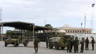 Τυνησία: Επίθεση τζιχαντιστών σε στρατόπεδο με δεκάδες θύματα