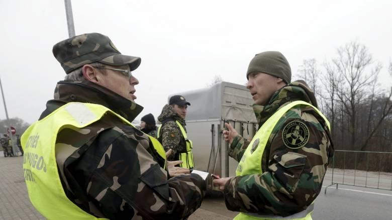 Φράχτες κατά των προσφύγων σηκώνουν οι χώρες της Βαλτικής