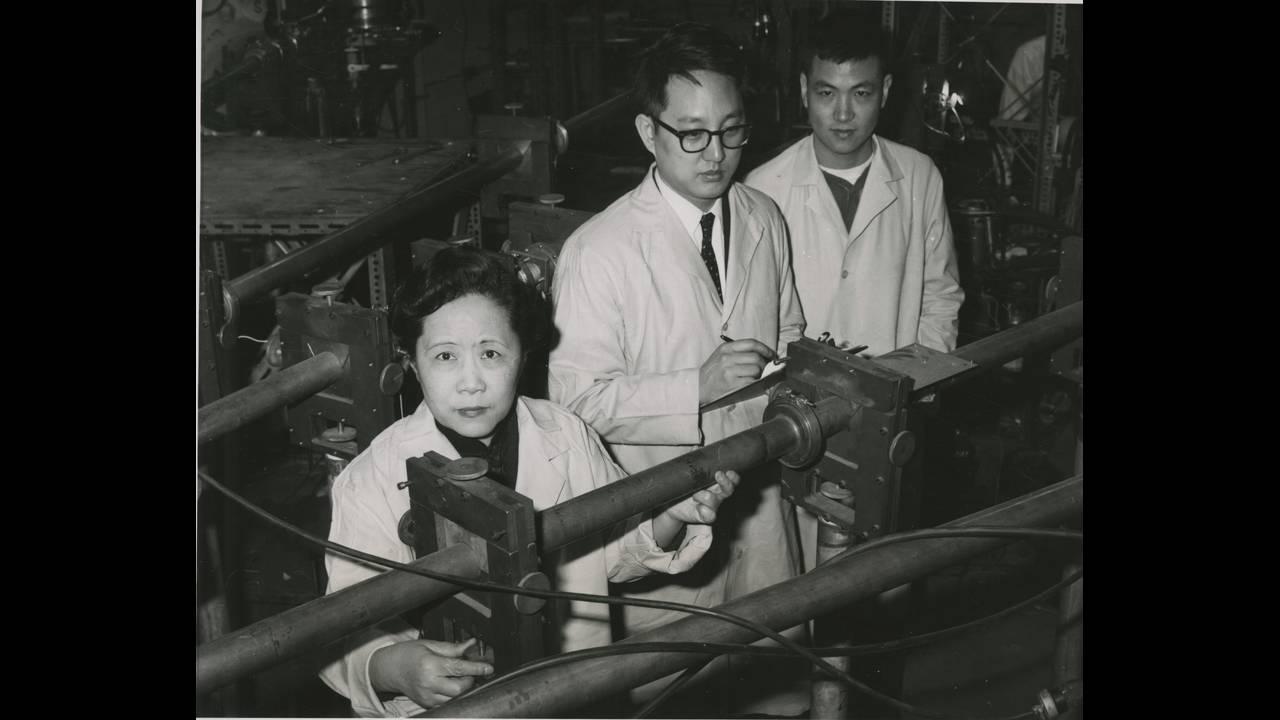 https://cdn.cnngreece.gr/media/news/2016/03/08/24492/photos/snapshot/Chien-shiung_Wu_1912-1997.jpg