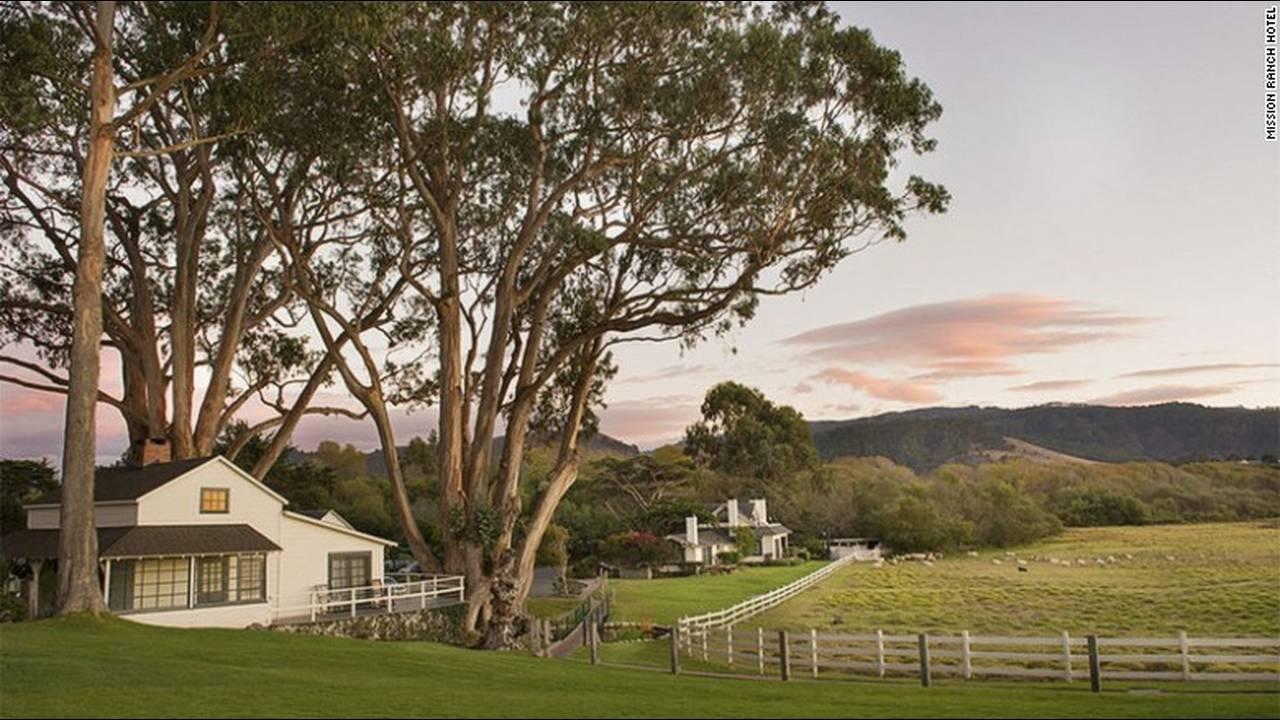 https://cdn.cnngreece.gr/media/news/2016/03/09/24611/photos/snapshot/celebrityownedhotels-mission-ranch-hotel-copy-eastwood.jpg