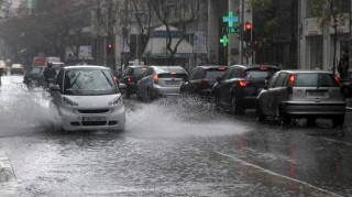 Kαιρός: Βροχές και πτώση της θερμοκρασίας το τριήμερο της Καθαράς Δευτέρας