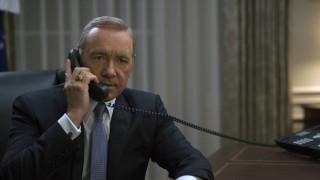 House of Cards – 4η σεζόν: Οι 10 πιο φαρμακερές ατάκες του Φρανκ Άντεργουντ