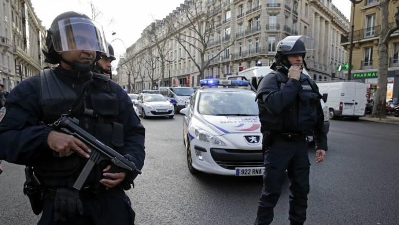 Κινητοποίηση της αντιτρομοκρατικής σε προάστιο του Παρισιού
