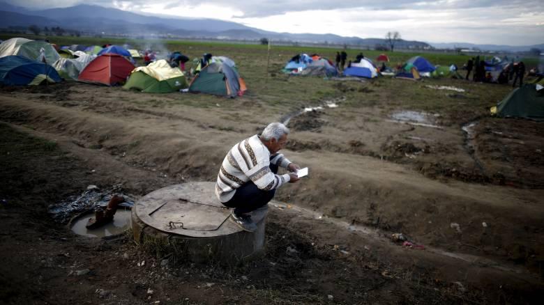 Σφίγγει ο κλοιός των Βαλκανίων για μετανάστες και πρόσφυγες