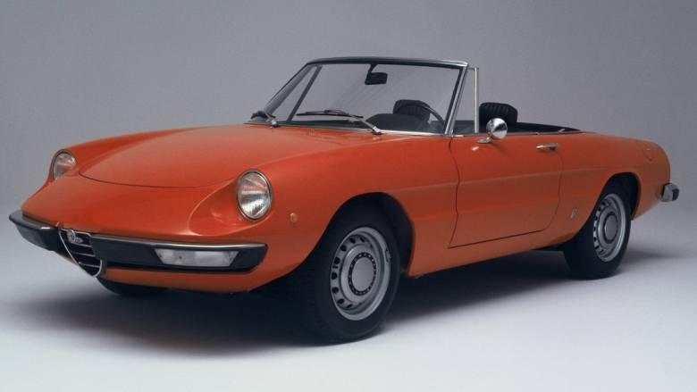 Η Spider, μια από τις πλέον εμβληματικές Alfa Romeo, συμπλήρωσε μισό αιώνα ζωής