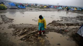 Μαρτύριο για πρόσφυγες σε νησιά και Ειδομένη