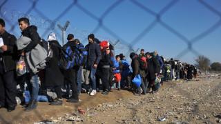 Ασταμάτητες οι ροές των προσφύγων στα νησιά