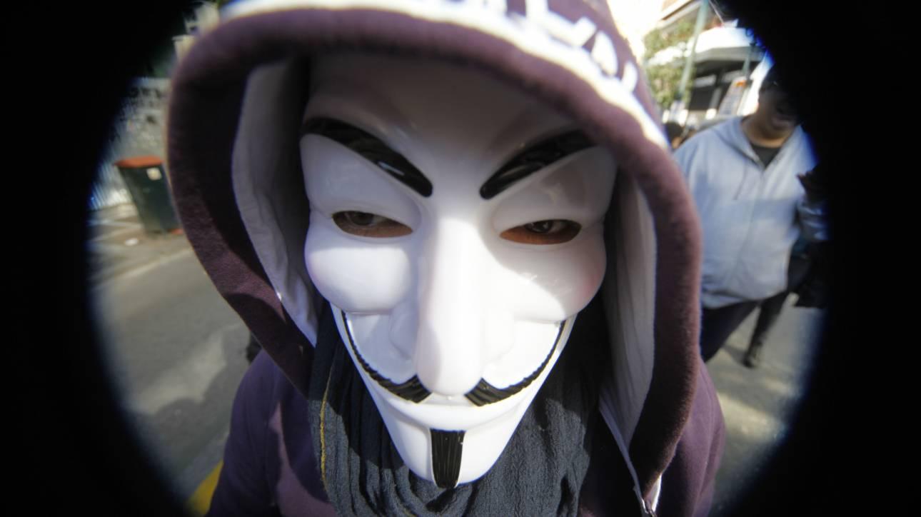 Anonymous εναντίον Tραμπ