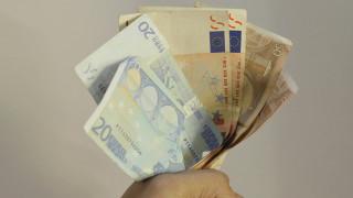 Κόκκινα δάνεια: Παράταση στις αιτήσεις προστασίας χρεωμένων μικρών επιχειρήσεων και επαγγελματιών