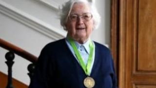 Πήρε το διδακτορικό της σε ηλικία 91 ετών!