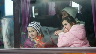 Έφτασαν στη Θεσσαλονίκη οι πρώτοι πρόσφυγες που θα φιλοξενηθούν στο λιμάνι