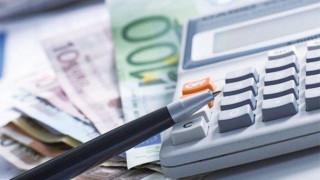 Φορολογικό: Πρόσθετοι φόροι για όσους έχουν ετήσιο εισόδημα άνω των 25.000 ευρώ