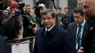 Σύνοδος ΕΕ-Τουρκίας: Αισιόδοξος για συμφωνία ο Νταβούτογλου