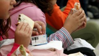 Τα παιδιά που τρώνε κολατσιό έχουν λιγότερες πιθανότητες να γίνουν παχύσαρκα