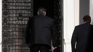 Αναβάλλεται η συζήτηση στη Βουλή - Έκτακτη σύσκεψη στο Μαξίμου