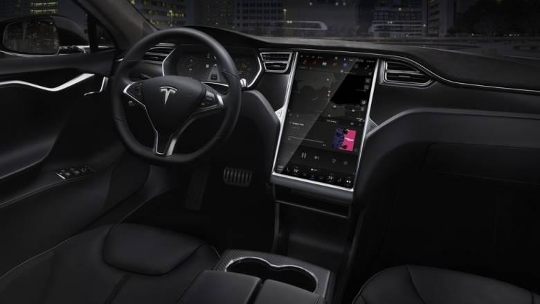 Τα καινούργια αυτοκίνητα δεν θα έχουν χειρόφρενο, αναπτήρα, κλειδί και CD