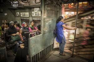 Κατηγορία Travel: Women's Compartment of a Suburban Train της Tamina-Florentine Zuch από τη Γερμανία