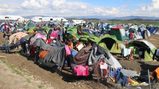 Λύθηκε η παρεξήγηση Τόσκα-Καμμένου για τη σίτιση των προσφύγων