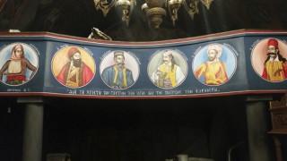 Ανώγεια Μυλοποτάμου: Ήρωες και Άγιοι μαζί στην Εκκλησιά