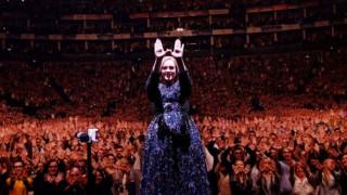 Η Adele αποσύρεται από τη μουσική σκηνή ισχυρίζεται η The Sun και αυτό δεν σημαίνει τίποτα απολύτως