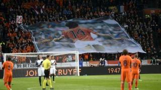 Φόρος τιμής στον Κρόιφ στο φιλικό Αγγλίας-Ολλανδίας