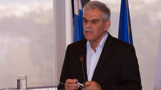 Τόσκας από Χίο: Σε γειτονικά νησιά οι πρόσφυγες αν ο αριθμός τους είναι μη διαχειρίσιμος