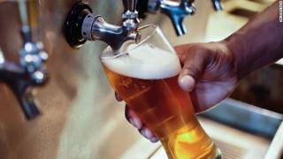 Η καλύτερη πρακτική άσκηση του κόσμου περιλαμβάνει ταξίδια και δοκιμή μπύρας