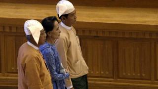 Μιανμάρ: Ο πρώτος πρόεδρος που δεν έχει σχέσεις με τον στρατό