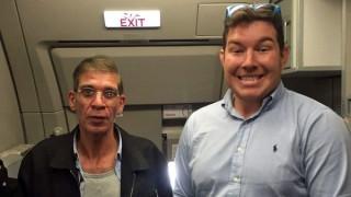 Γιατί έβγαλε ο Βρετανός τη σέλφι με τον αεροπειρατή