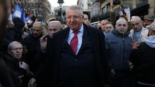 Αθώος ο Σέρβος υπερεθνικιστής Βόισλαβ Σέσελι από τις κατηγορίες για εγκλήματα πολέμου