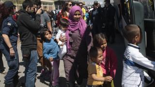 Σε 5.350 ανέρχονται οι μετανάστες και πρόσφυγες στο λιμάνι του Πειραιά